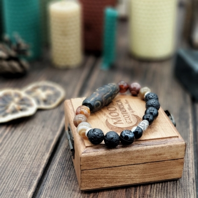 Денежный браслет с серебряной бусиной и Дзи 9
