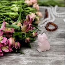 Фигура кошки из розового кварца