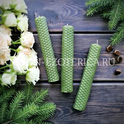 Свеча из вощины зеленая с травами ФИНАНСЫ
